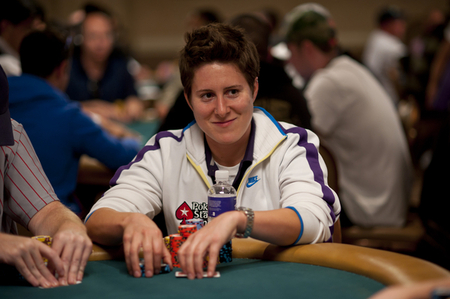 vanessa_selbst_wsop_2012_d3-thumb-450x299-167427.jpg